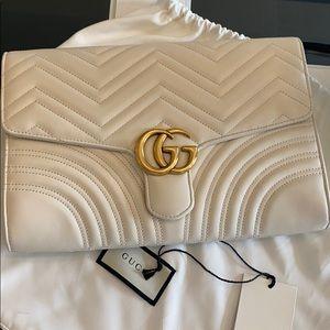 New NWT GUCCI GG marmont chevron flap clutch bag